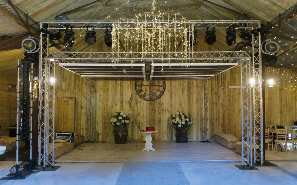 internal shot of dancefloor with Zone Array highly directional speaker system